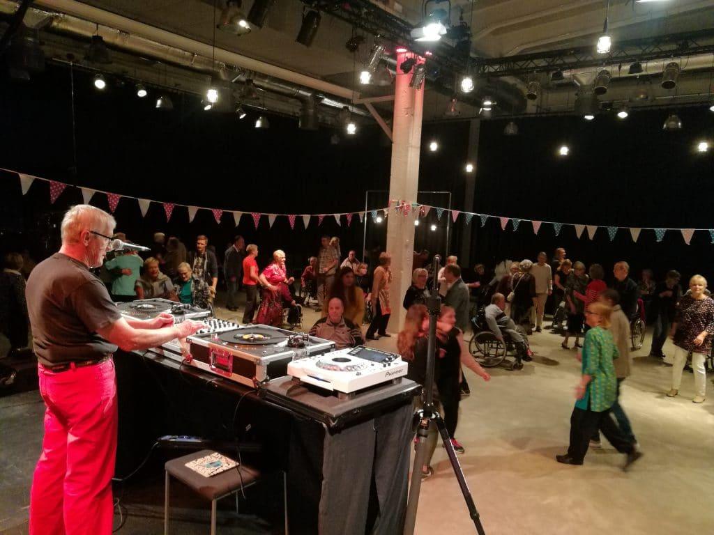 DJ Börje tanssitti porvoolaisia